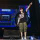 Causa polémica sonido de disparos en concierto de Eminem