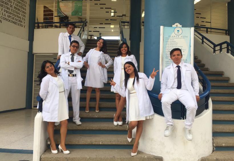 Festejan  su graduación