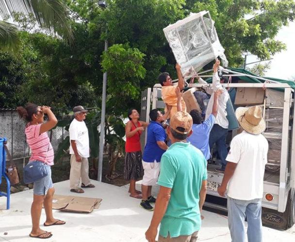 Empiezan a equipar hospital en la Costa de Oaxaca