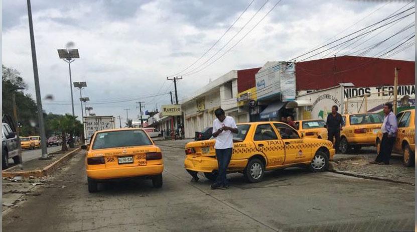 Taxistas provocan accidente en Salina Cruz, Oaxaca | El Imparcial de Oaxaca