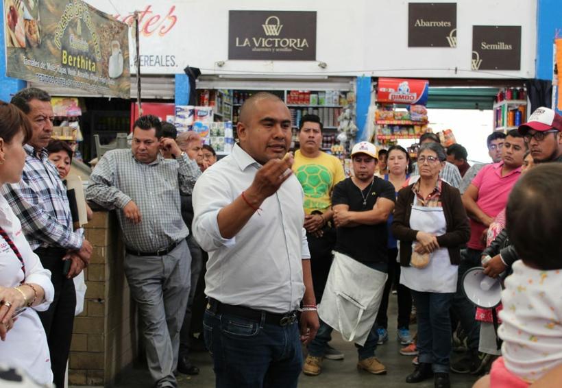 Promete Dante Montaño vialidades dignas para Santa Lucía