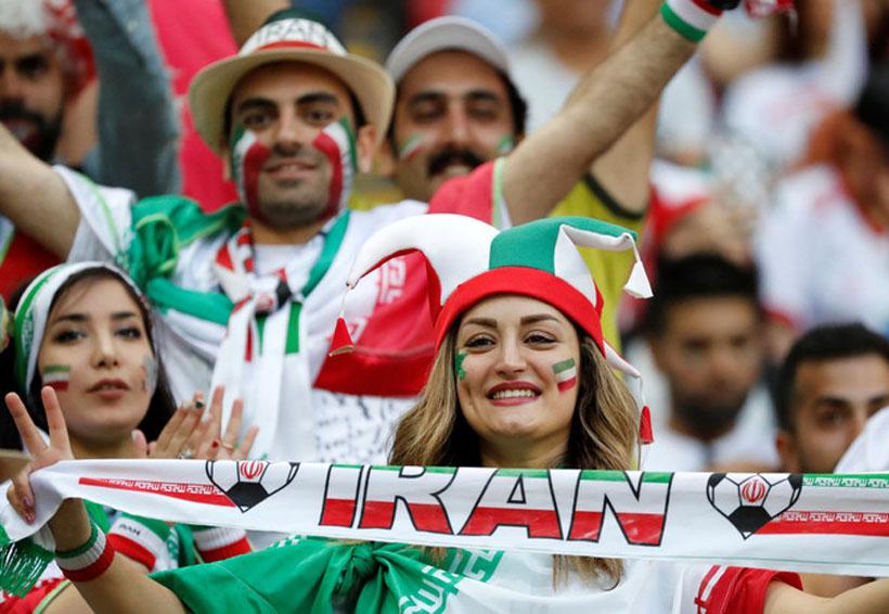 ¡Histórico! Irán permite que las mujeres entren al estadio para el duelo contra España | El Imparcial de Oaxaca