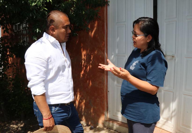 Se compromete Dante Montaño a instalar bibliotecas digitales en Santa Lucía del Camino