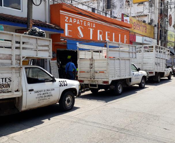 Camionetas fleteras provocan que  ventas bajen en la zona centro de Tuxtepec, Oaxaca