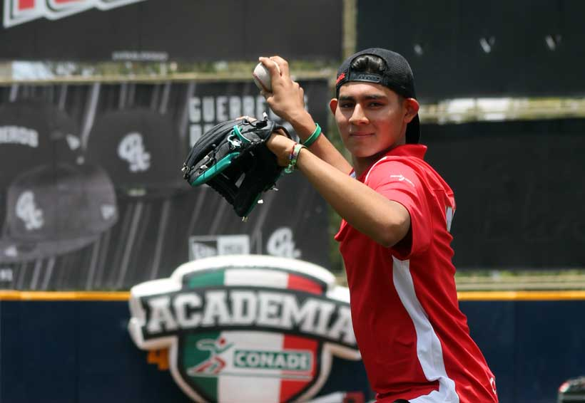Carlos Espina tiene el futuro en sus manos | El Imparcial de Oaxaca