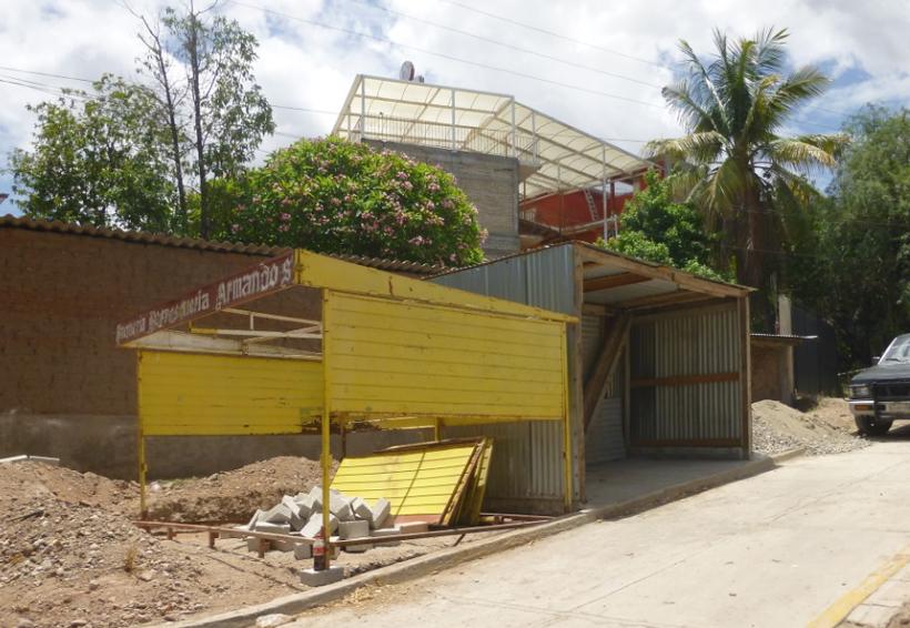 Cuestionan cuicatecos  entrega de espacios  públicos a particulares | El Imparcial de Oaxaca