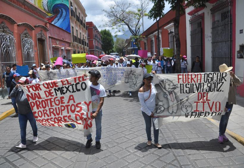 Se manifiestan estudiantes del ITVO contra autoridades escolares | El Imparcial de Oaxaca