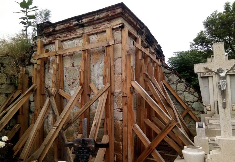 El Panteón General de Oaxaca continúa en el olvido