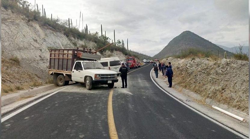 Encontronazo entre camionetas en la región Mixteca; 3 heridos | El Imparcial de Oaxaca