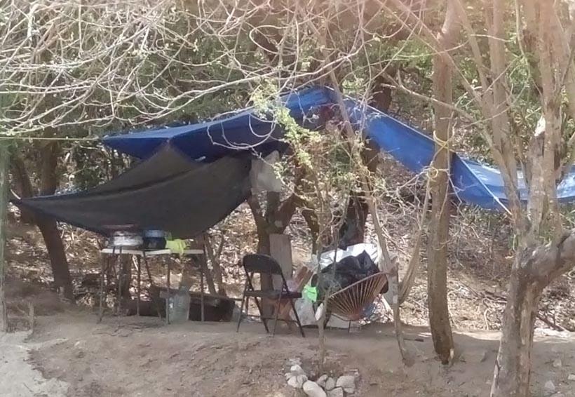 En Huatulco toman más predios  varios paracaidistas