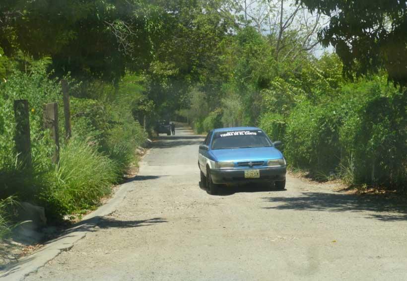 En pésimas condiciones  se encuentra el acceso  al Cecyte plantel 2 | El Imparcial de Oaxaca