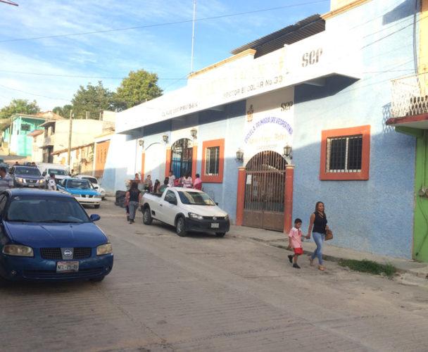 Infantes de Pinotepa vuelven a la escuela