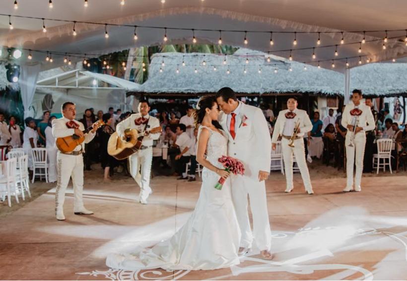 Karen Itzel  & Juan Adolfo unen sus vidas