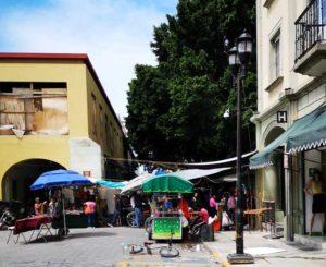 Maestros liberan calles del centro de Oaxaca, pero se quedan ambulantes