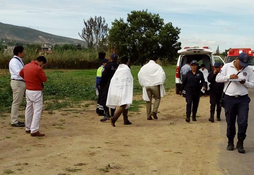 Vuelca camioneta mientras realizaba prueba de manejo en Oaxaca