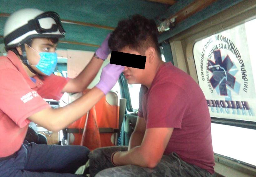 Chocan moto y taxi en Santa Lucía del Camino: un lesionado | El Imparcial de Oaxaca
