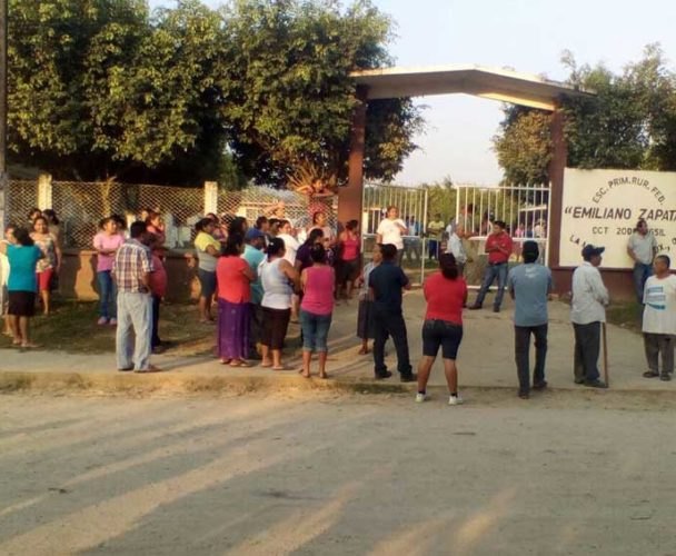 Molestia por falta de clases en Tuxtepec, Oaxaca
