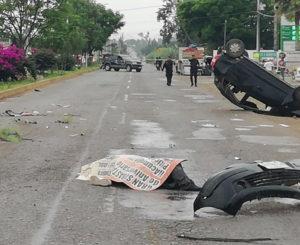 Muere motociclista en aparatoso choque múltiple en Etla, Oaxaca