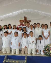 Cumplen con los  sacramentos