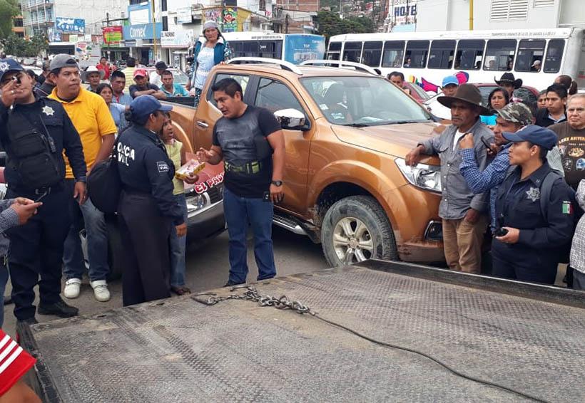 Choque en el Periférico | El Imparcial de Oaxaca