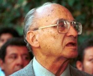 Luis Echeverría es hospitalizado por neumonía