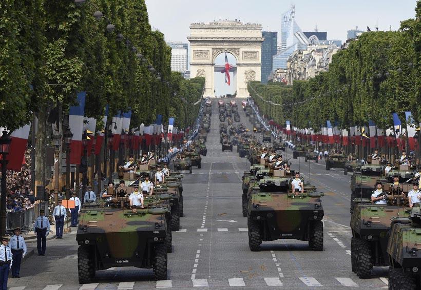 Celebran fiesta nacional en París previo a la final mundialista | El Imparcial de Oaxaca