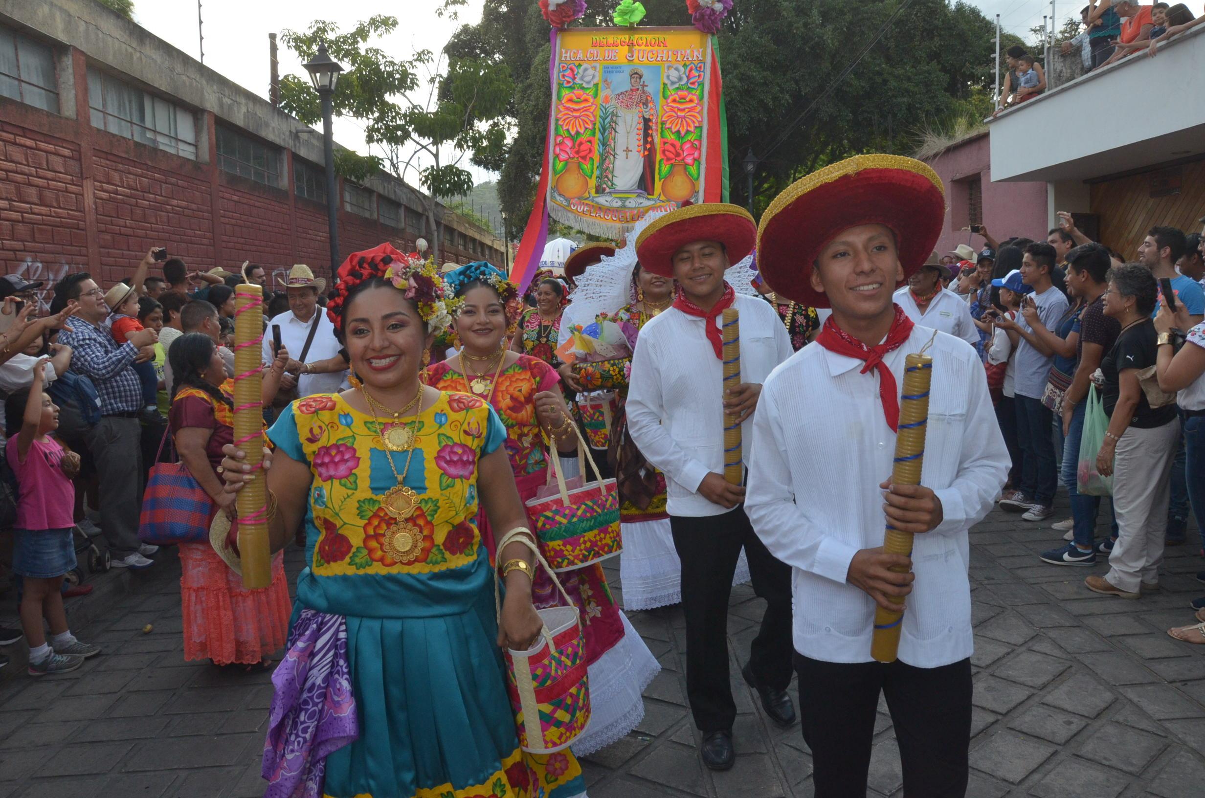 Desfile de delegaciones   El Imparcial de Oaxaca
