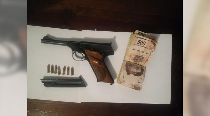Le aseguran preventivos una Colt 22 en Santa María Ozolotepec | El Imparcial de Oaxaca