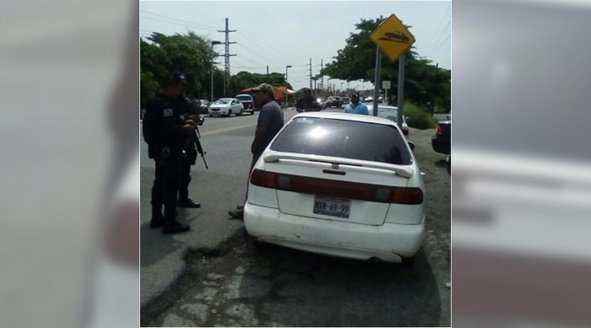 Aseguran vehículo con irregularidades en Juchitán | El Imparcial de Oaxaca