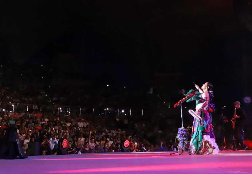 Lila Downs  contagia su euforia a Oaxaca