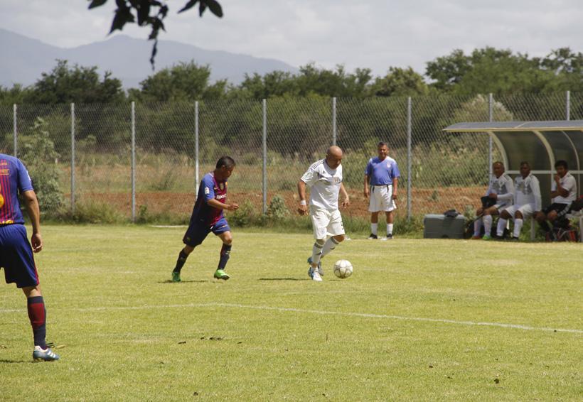 Jornada de goles en el fútbol de veteranos | El Imparcial de Oaxaca
