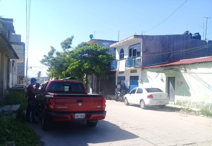 Morenistas vigilan el Consejo Electoral local de Pinotepa Nacional, Oaxaca