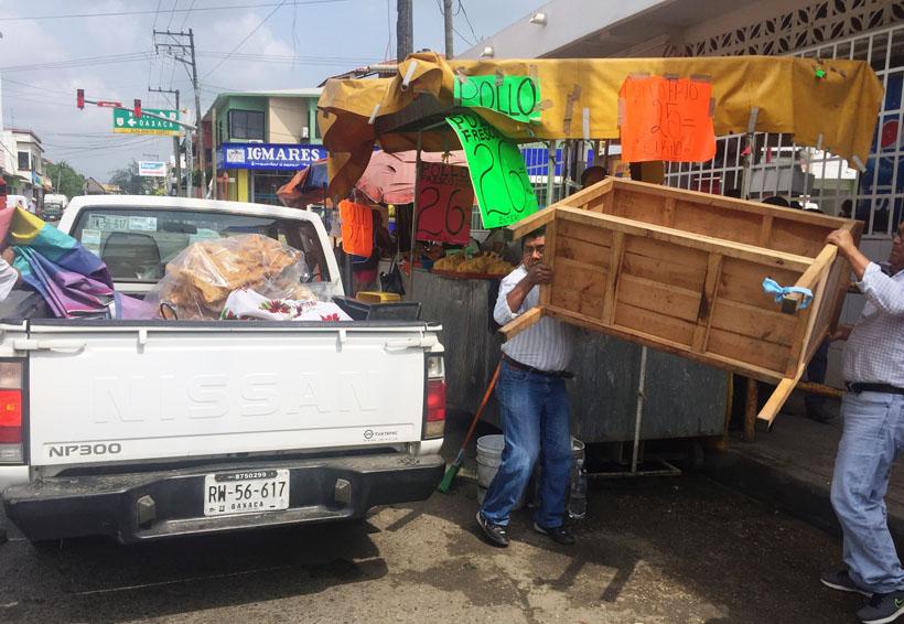 Municipio de Tuxtepec quita a comerciantes ambulantes | El Imparcial de Oaxaca