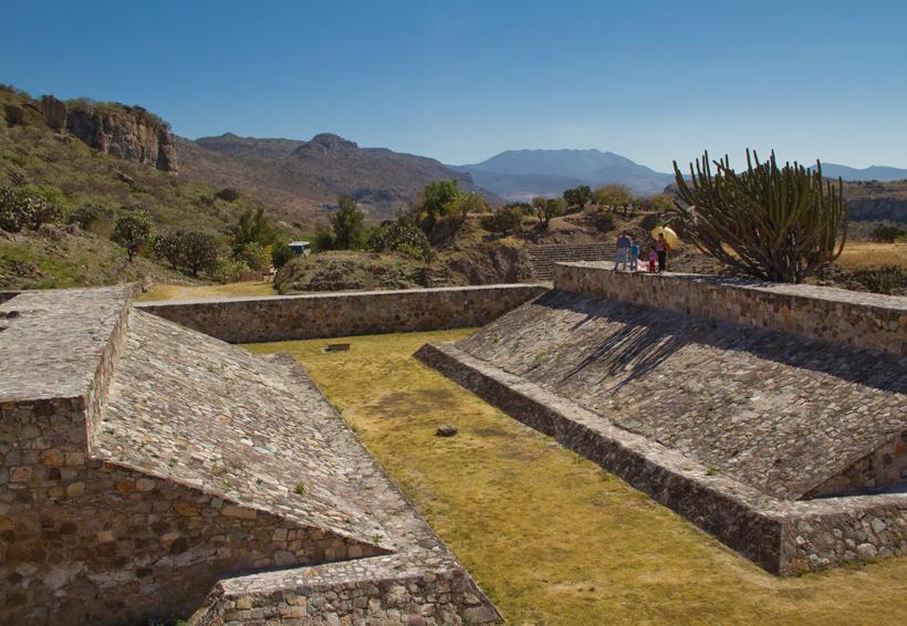 Oaxaca recupera 28 bienes afectados por sismos