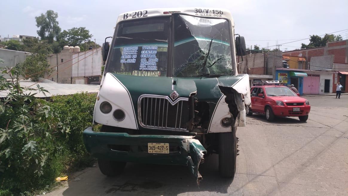 Chocan autobuses sobre la carretera a San Luis Beltrán: 15 politraumatizados | El Imparcial de Oaxaca