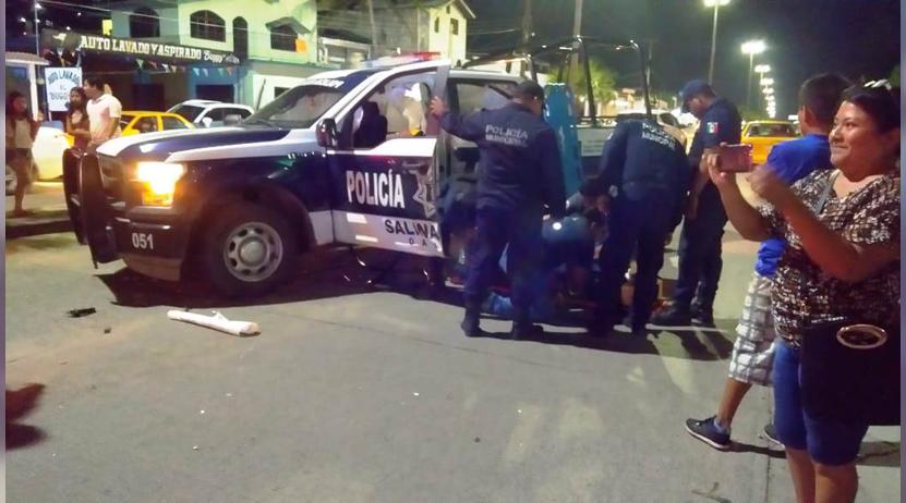 Se impacta automóvil contra veloz patrulla en Salina Cruz | El Imparcial de Oaxaca