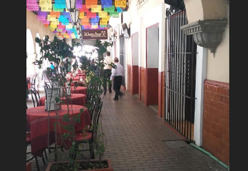 Presión en redes sociales logra retirar reja en Los Portales de Oaxaca | El Imparcial de Oaxaca