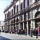 Filas infinitas para obtener boletos de eventos de la Guelaguetza en Oaxaca