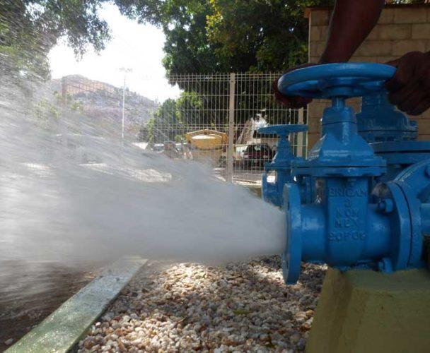 Se restablece el servicio de agua en Tuxtepec