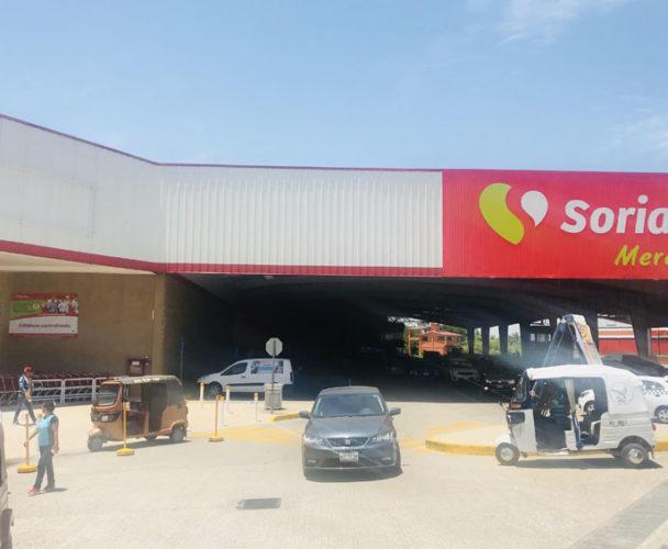 Trabajadora despedida de Soriana exige liquidación