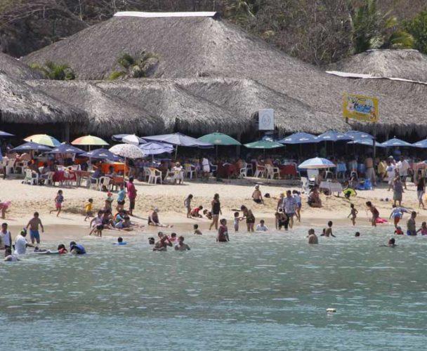 Sol, calor, playas y seguridad para las personas que visiten la costa oaxaqueña