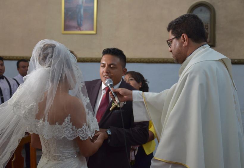 Marisol y Cristhian caminaron al altar