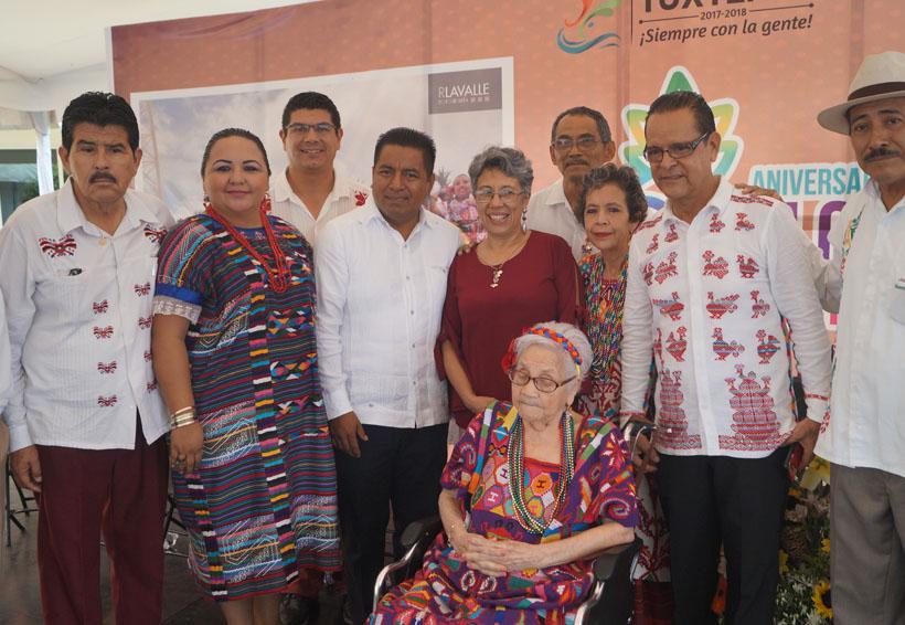 """Tuxtepec celebra 60 años del baile """"Flor de Piña"""""""