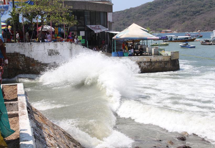 Impacta mar de fondo en costas de Oaxaca | El Imparcial de Oaxaca