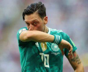 """Özil se retira de la """"mannschaft"""""""