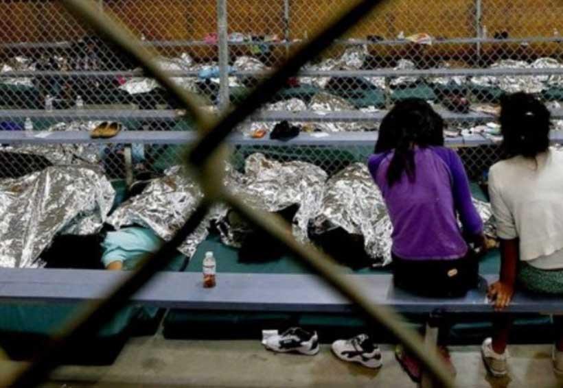 Lleno de polvo y piojos le devuelven su bebé a madre migrante en EU | El Imparcial de Oaxaca
