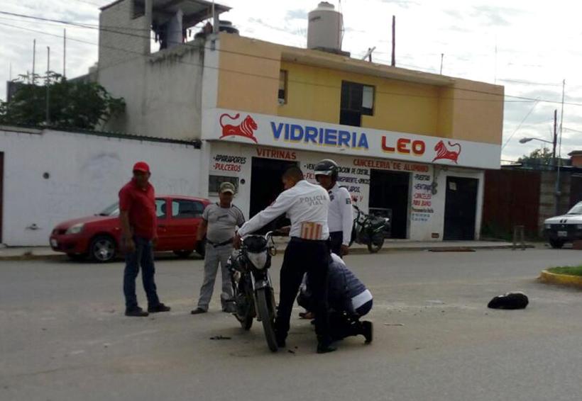 Impacta vehículo a motociclista | El Imparcial de Oaxaca