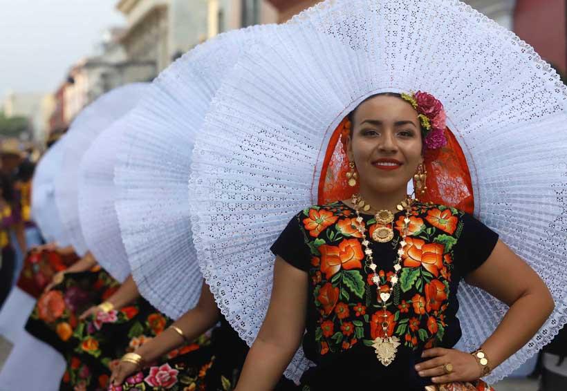 Oaxaca contagia en julio, mes de la Guelaguetza