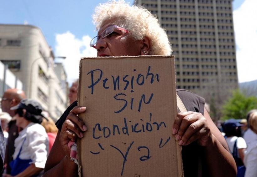 Jubilados venezolanos marchan para exigir el pago de pensiones | El Imparcial de Oaxaca