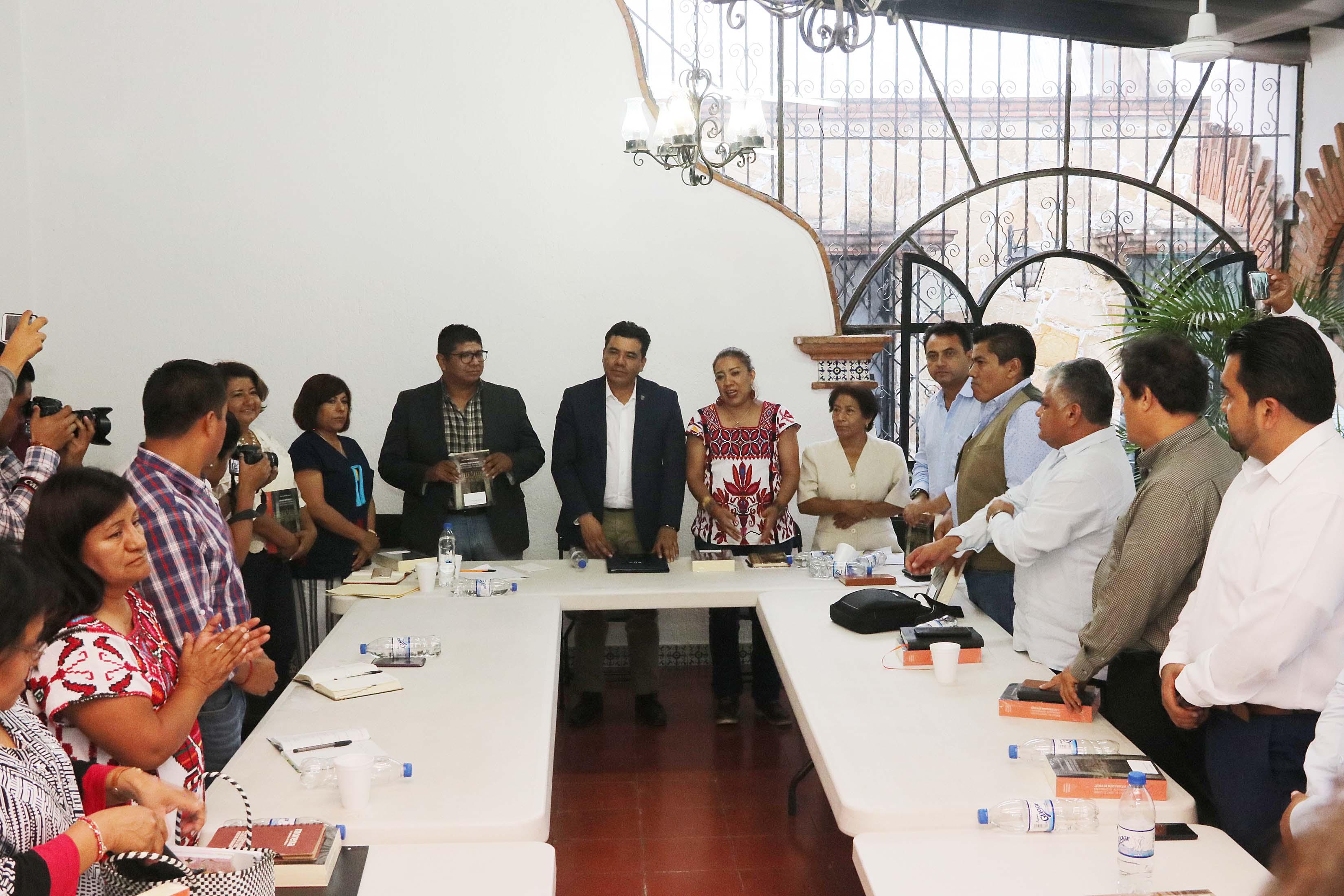 Alianza para colaboración mutua, propone UABJO a Diputados electos